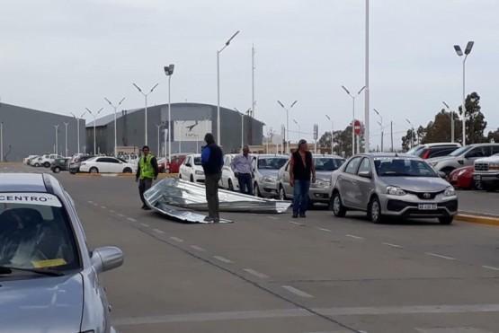 Volaron chapas en el Aeropuerto Enrique Mosconi