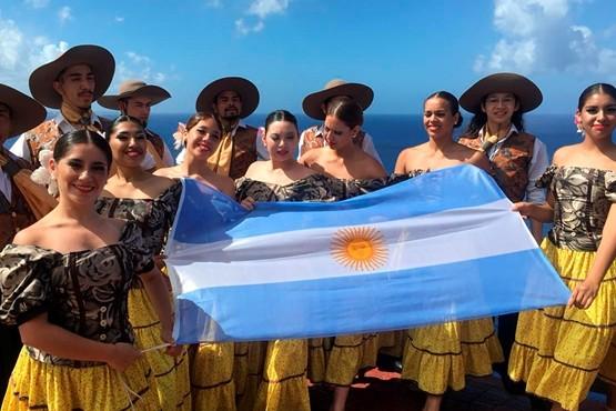 Santa Cruz deslumbró con su danza al público de Guam y Filipinas