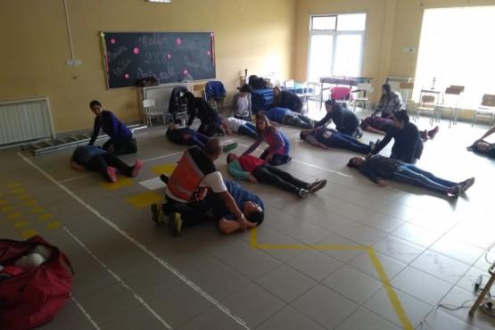 Protección Civil dictó capacitación en la Escuela Especial N° 4