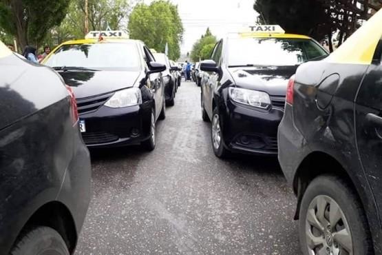 Contra Uber: taxistas señalaron que Transporte no tiene recursos para controlar