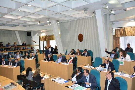 Con el voto del oficialismo y Terraz se aprobó el Presupuesto Provincial 2019