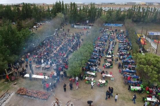 Los petroleros celebraron su día sorteando 8 autos 0 Km