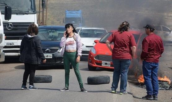 Cooperativistas cortaron Ruta 12 por falta de pago de prestaciones