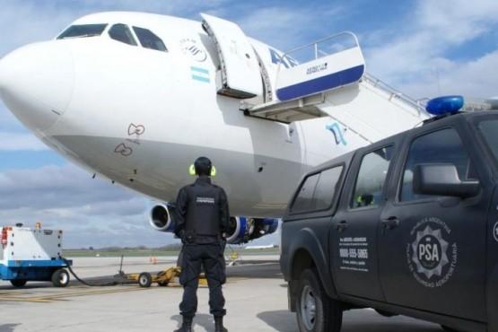 Evacuaron un avión de Aerolíneas por una amenaza de bomba