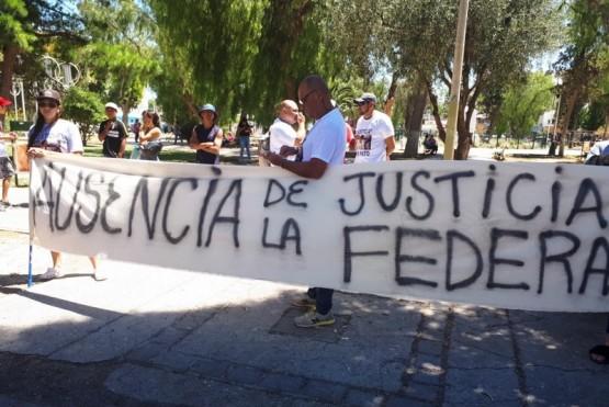 Marcharon pidiendo justicia por los jóvenes asesinados