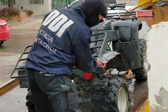 Encuentran moto robada en un allanamiento en zona de Chacras