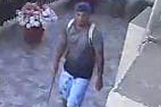Buscan en Caleta a un ladrón que se burla de cámaras de vigilancia