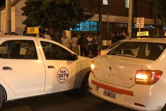 Asaltaron a un taxista en el Newbery y hubo una protesta en la comisaría