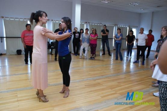 Aprendieron tango junto a la reconocida bailarina Lucia Ohyama