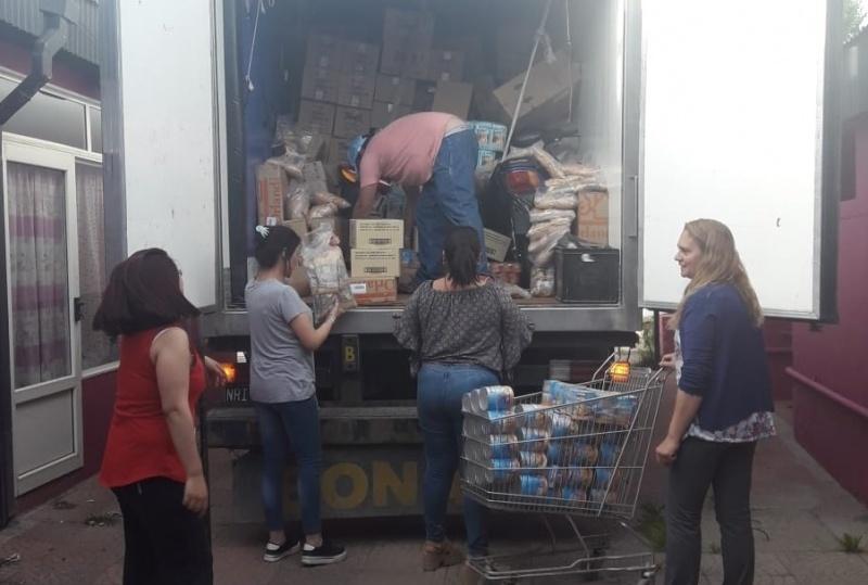 Se entregaron módulos alimenticios a las familias.