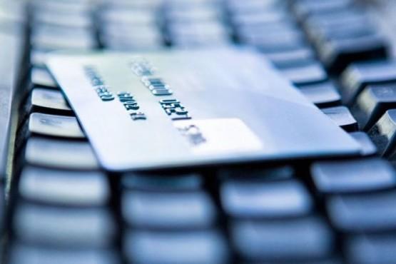 Investigan otras denuncias por estafa con un préstamo por Facebook.