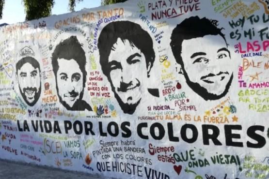 Mural en Rawson por los hinchas de Boca fallecidos