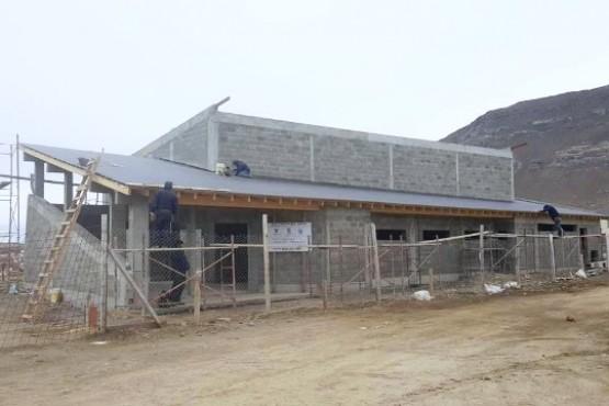 A paso firme avanza la construcción del Teatro Libélula Sur en El Calafate