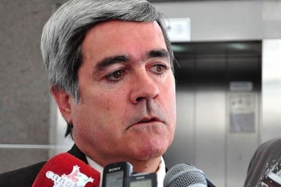"""Para el procurador general de Chubut """"no varía demasiado bajarla a 15"""""""