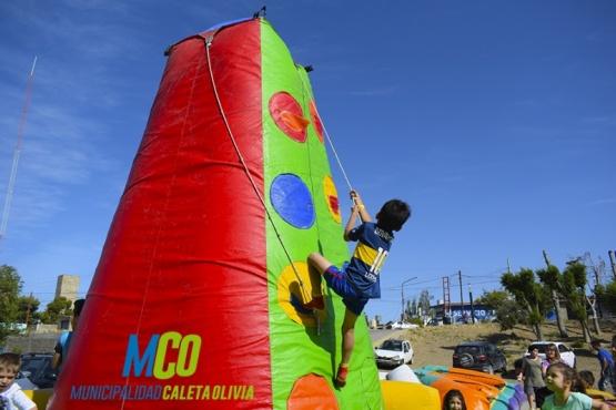 Comenzaron los veranos culturales en la Plaza Malvinas Argentinas