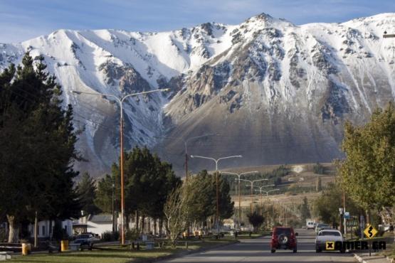 En pleno verano, llegó la primera nevada del año a Esquel