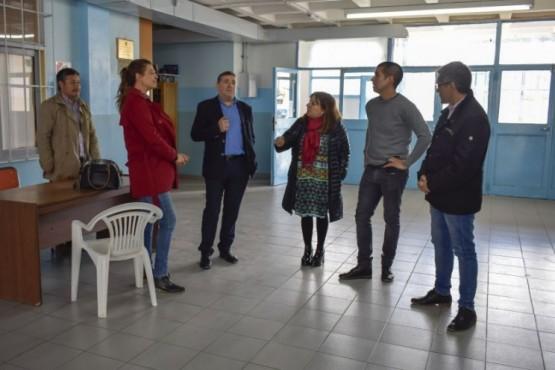 Se realizan tareas de mantenimiento en 30 escuelas de Río Gallegos