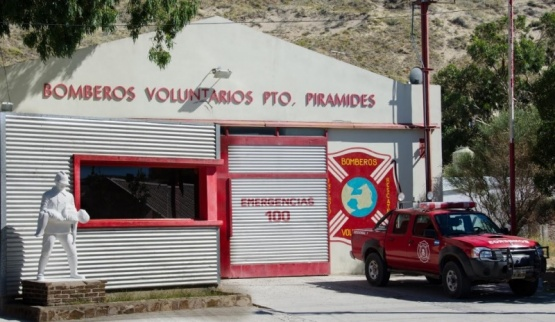 Buscan alternativas para financiar a los Bomberos de Puerto Pirámides