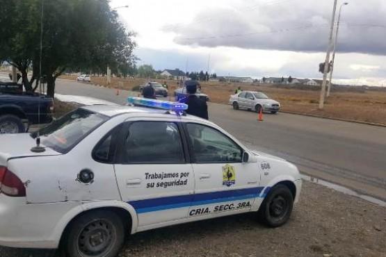 Labran infracciones y secuestran dos rodados durante un control vehicular