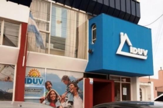 IDUV trabaja con 19 cooperativas en la segunda etapa de mantenimiento escolar