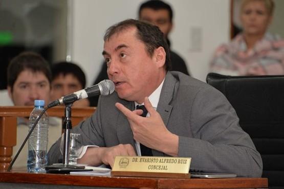 Ruiz habría contratado doce nuevas personas y generó enojo en la UCR