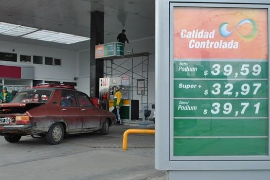 En plena etapa de transición Axion se sumó a la baja de los combustibles