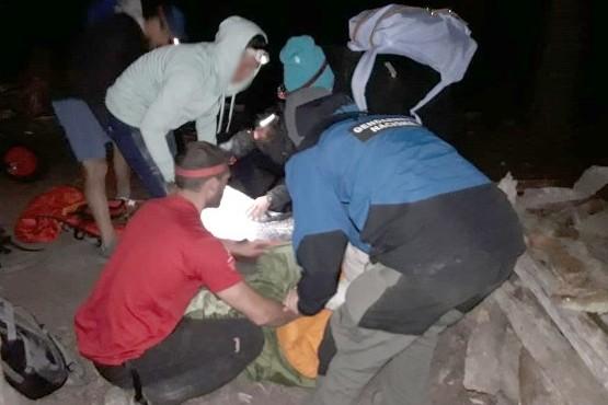 Los rescatistas lograron llevar a ambas mujeres a la localidad de El Chaltén, donde fueron asistidas en el puesto sanitario.