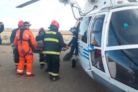 Prefectura evacuó de urgencia a un tripulante de un buque pesquero