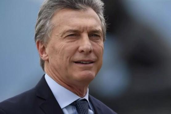 Acaba de aterrizar en las represas Mauricio Macri