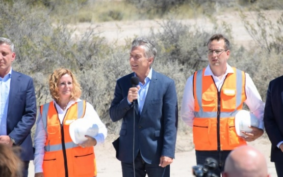 Macri inauguró un parque eólico y se reunió con sectores industriales