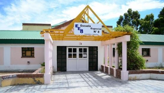 Caleta Olivia: iniciaron mantenimiento escolar en ocho colegios