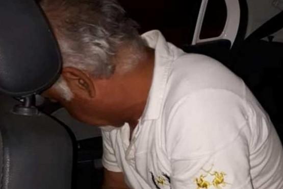 Detuvieron a un hombre que se masturbaba en una plaza