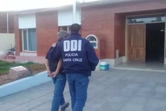 Un hombre fue detenido con dos armas de fuego