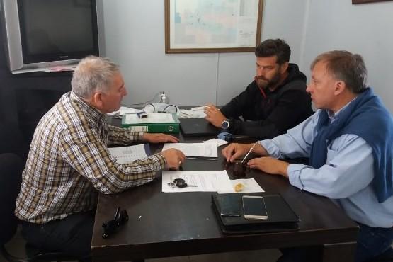 Intimaron al cese de operaciones a CRI Holding Argentina