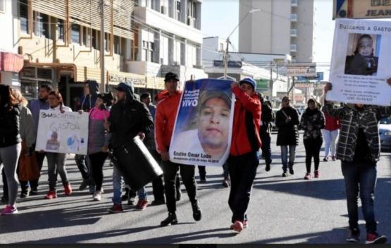 Allanamientos positivos en torno a la desaparición de Gastón León