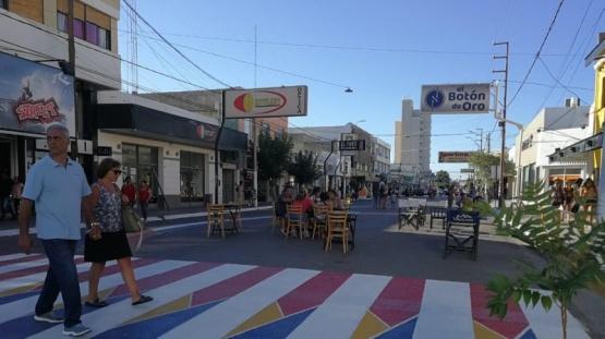 Inauguraron un pintoresco paseo peatonal en Puerto Madryn