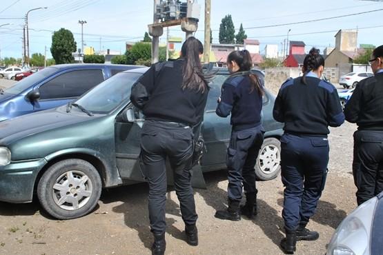 Sustraen documentación de un vehículo