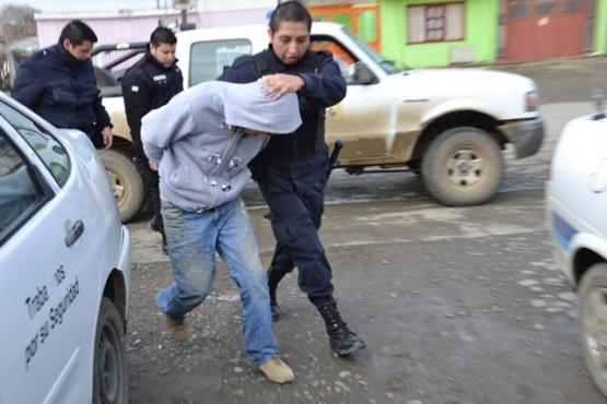 Tres menores y un mayor fueron detenidos por robar mercadería de Don Aldo