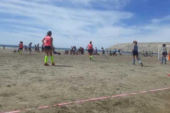 Ya juegan en la playa