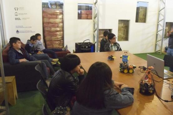 Club de Emprendedores realizó una jornada sobre robótica