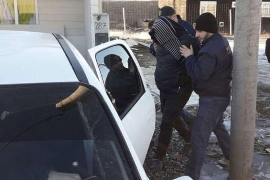 Echaron a un policía por integrar una banda de estafadores