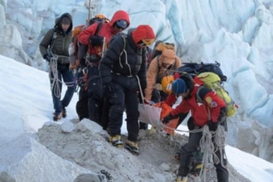 Un equipo de expertos andinistas a la búsqueda de los brasileños