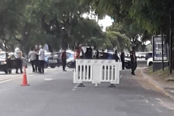 Taxista atropelló a dos personas y mató a una nena de 13 años frente al Aeroparque