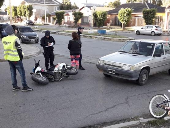 Motociclista golpeado tras nuevo choque en Avenida Perón