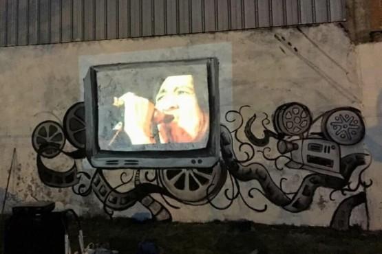 Mural donde se proyectaron películas de la Cuenca