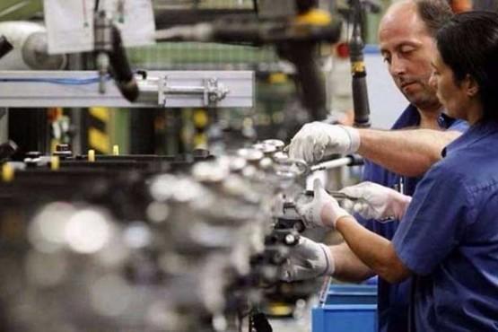 Por octavo mes consecutivo, cayó la producción industrial pyme