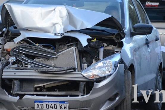 En estado de ebriedad chocó una camioneta de Tránsito