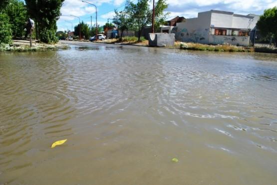 No es cloacal el agua acumulada en calle Juan B. Justo