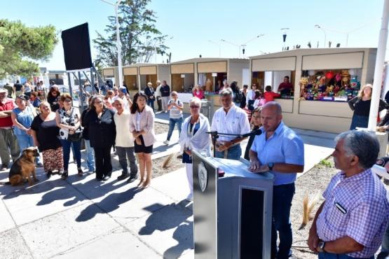 Puerto Madryn inauguró un nuevo Paseo de Artesanos