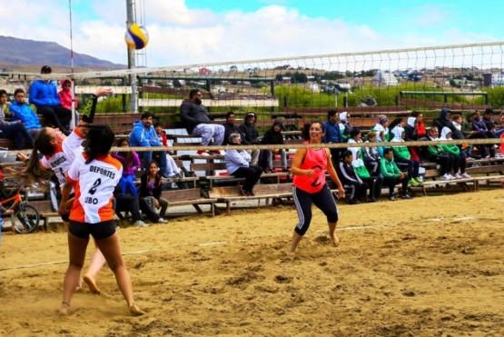 Domínguez y Cardozo dueños del Beach